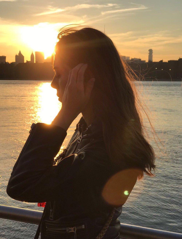 GOLDEN BALANCE: ANAIS CALZADILLA -