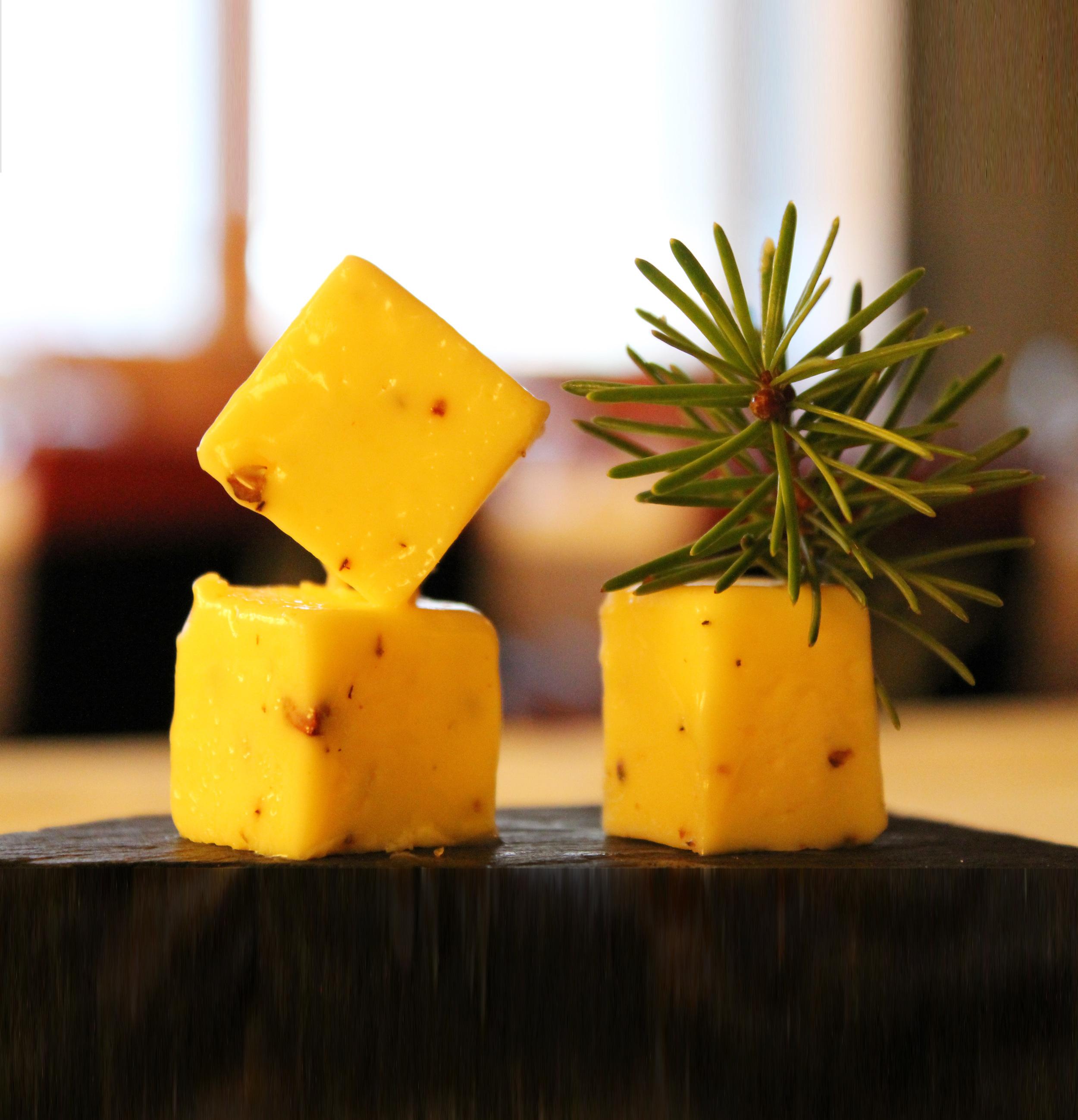 Saaga Juniper berry butter 1.jpg