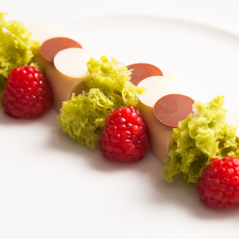 Roasted white chocolate, pistachio, raspberry