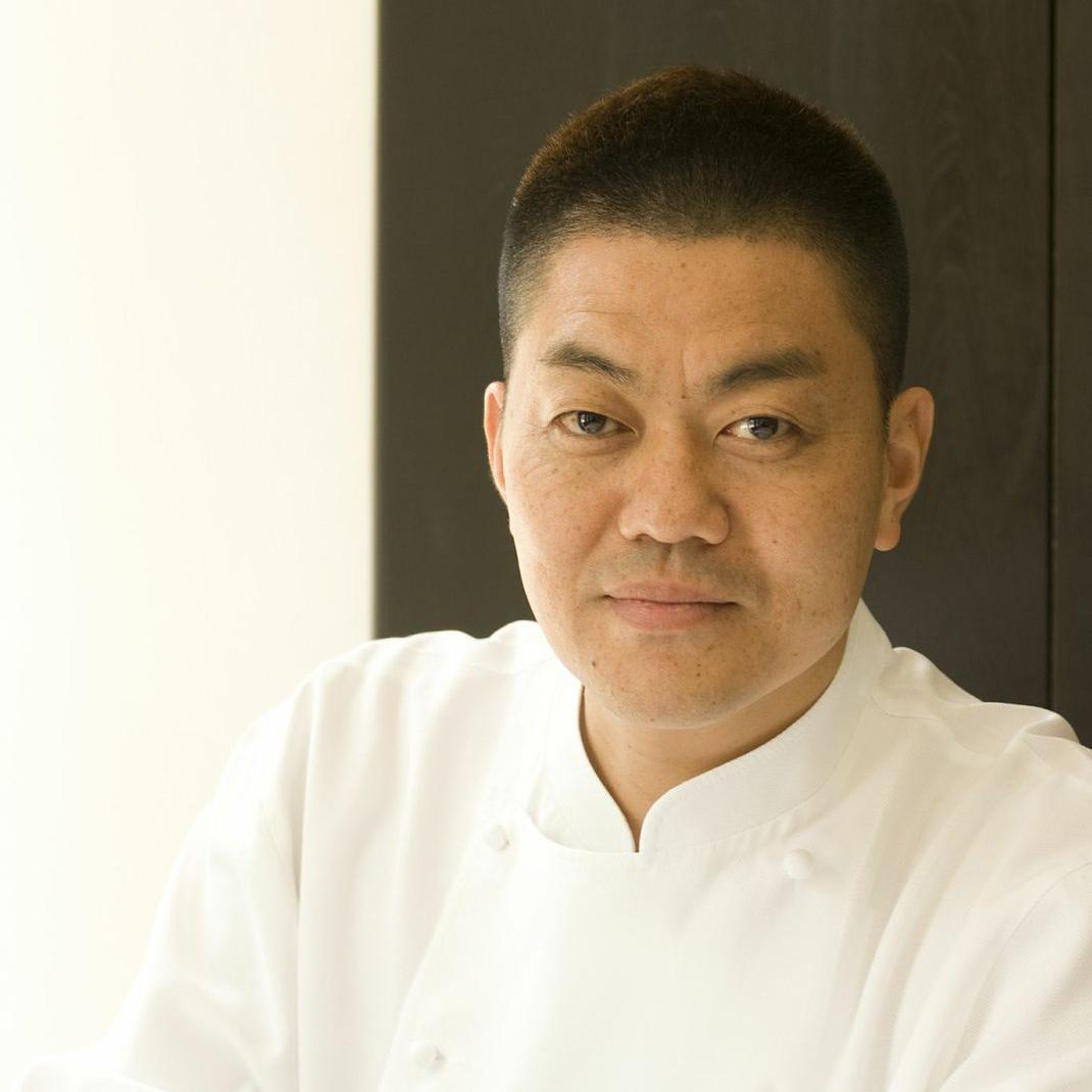 yoshihiro_narisawa_chef_w.jpg