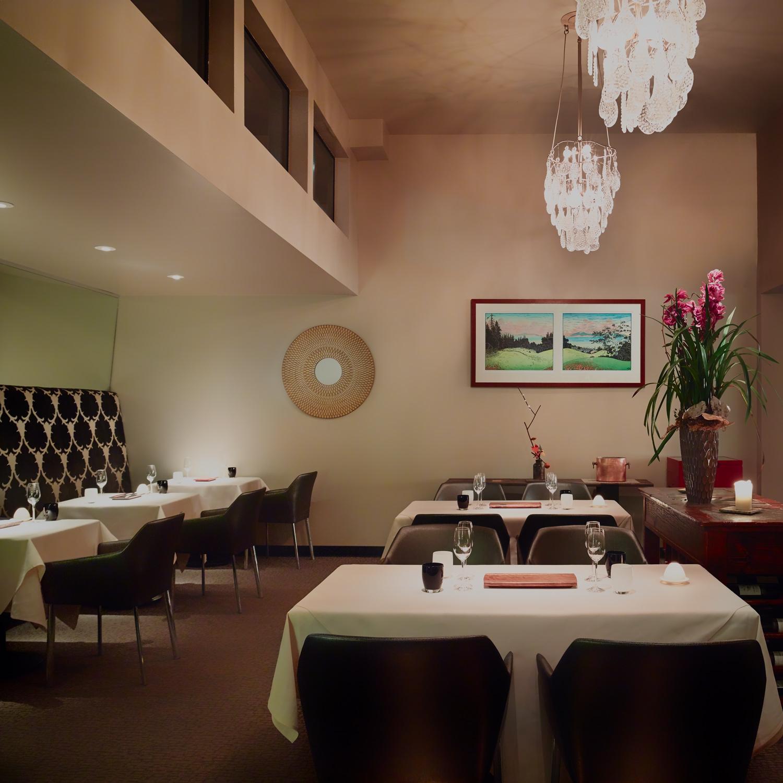 manresa_restaurant_dining_room_nick-vasilopoulos_w.jpg