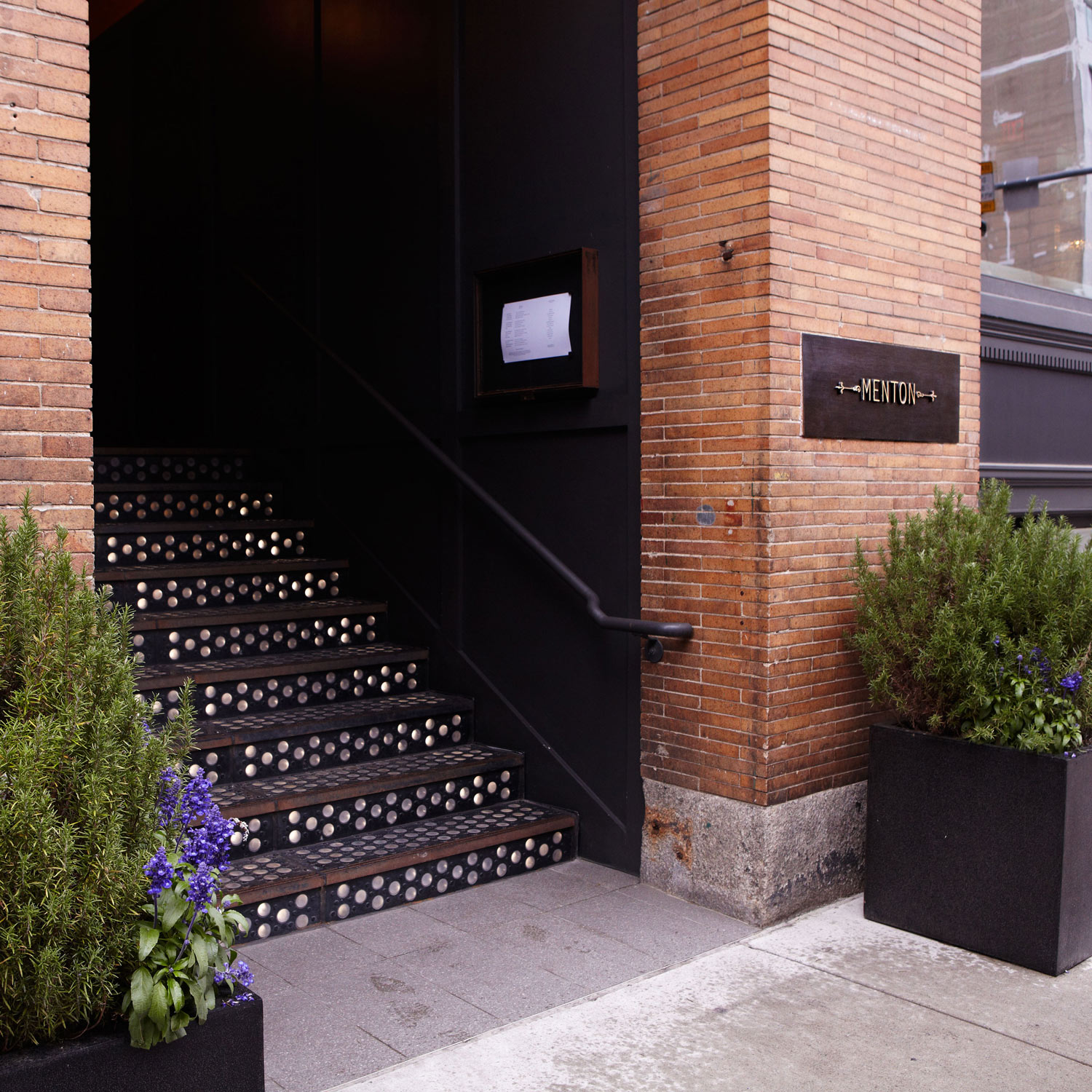 menton_boston_restaurant_exterior_w.jpg