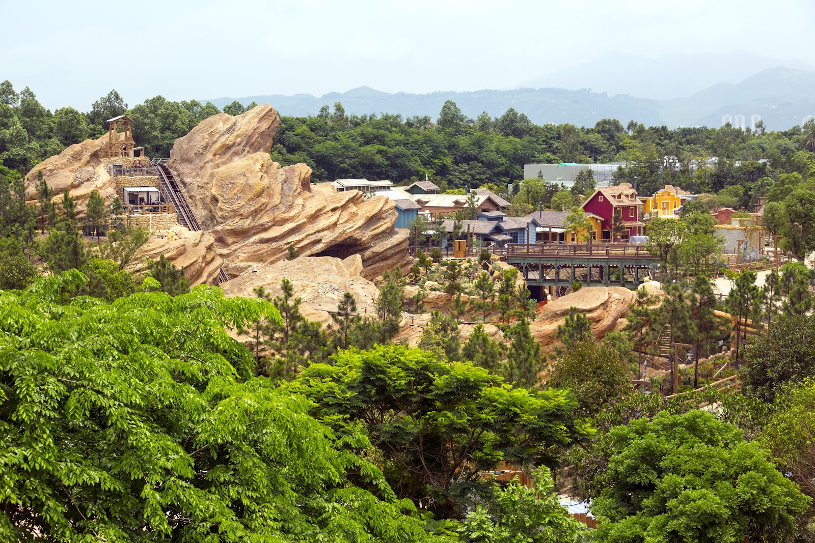 Disneyland Grizzly Gulch_overview.jpg