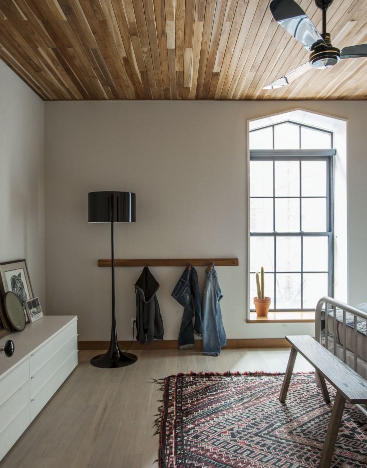Cobble-Hill-duplex-by-Oliver-Freundlich-bedroom-2-Remodelista.jpg