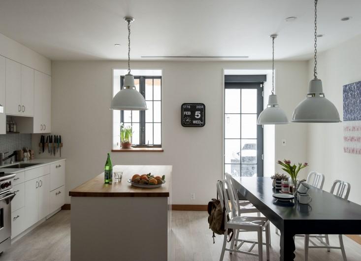 Cobble-Hill-duplex-by-Oliver-Freundlich-kitchen-overview-Remodelista_0.jpg