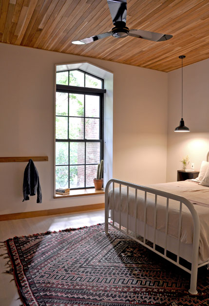 Master-Bedroom_Vert-Oblique_PP (oliver-390's conflicted copy 2014-02-28).jpg