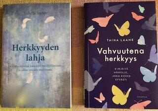 Herkkyydestä 2 kirjaa.jpeg