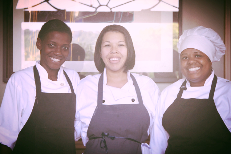 Our ladies from Gastromotiva, the foundation we partnered with.