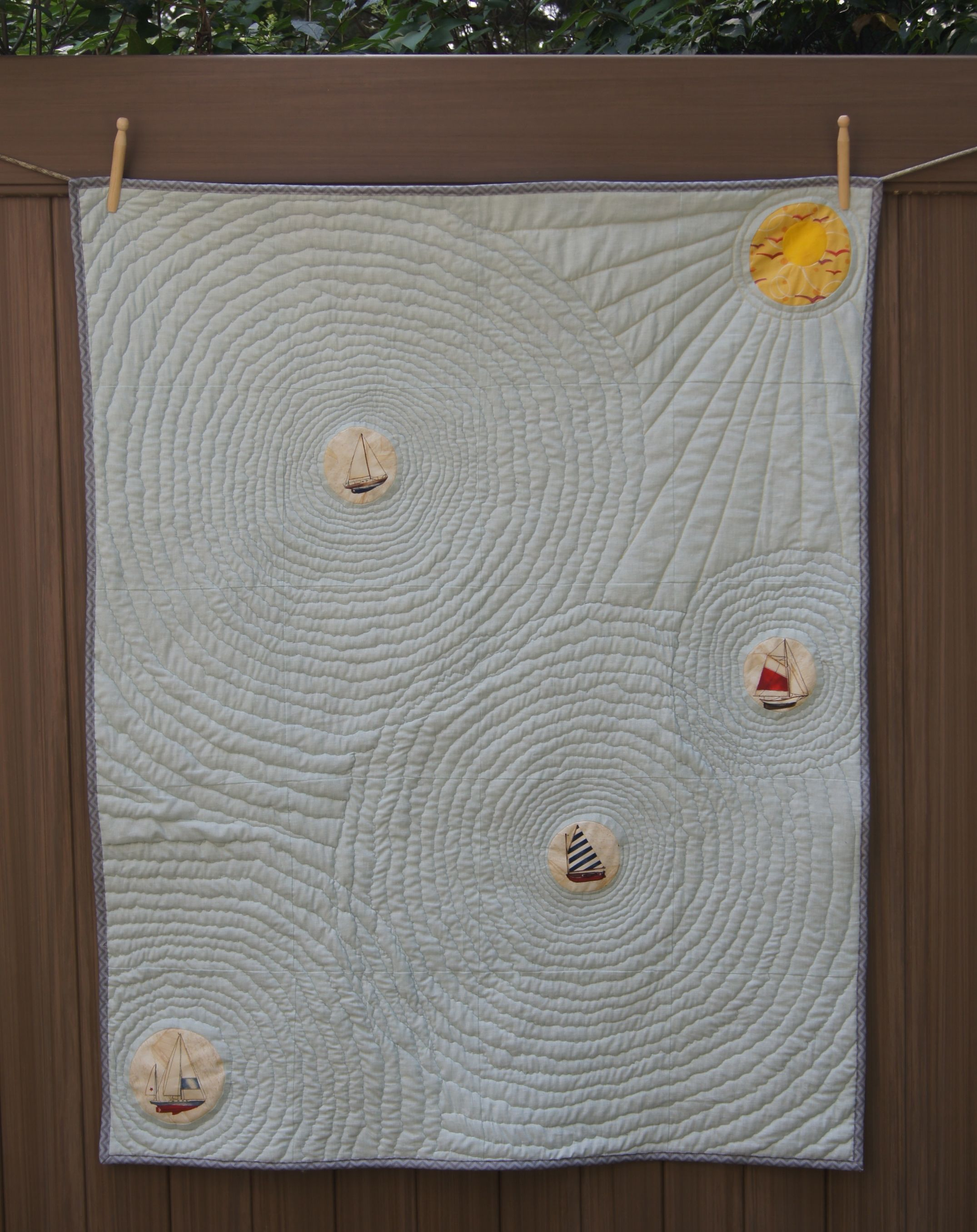 Wavy free motion quilting