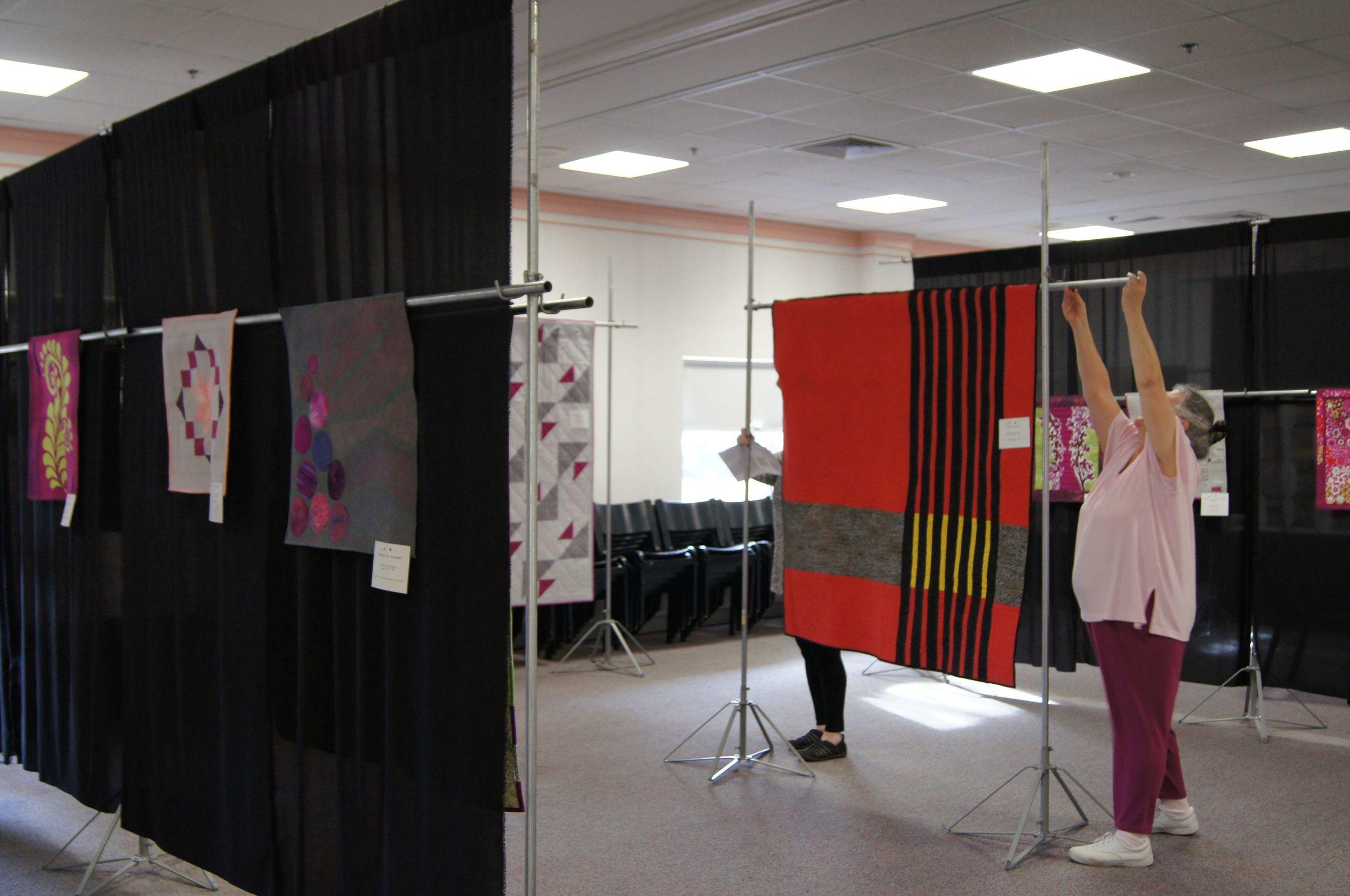 Hanging a quilt show 7.jpg