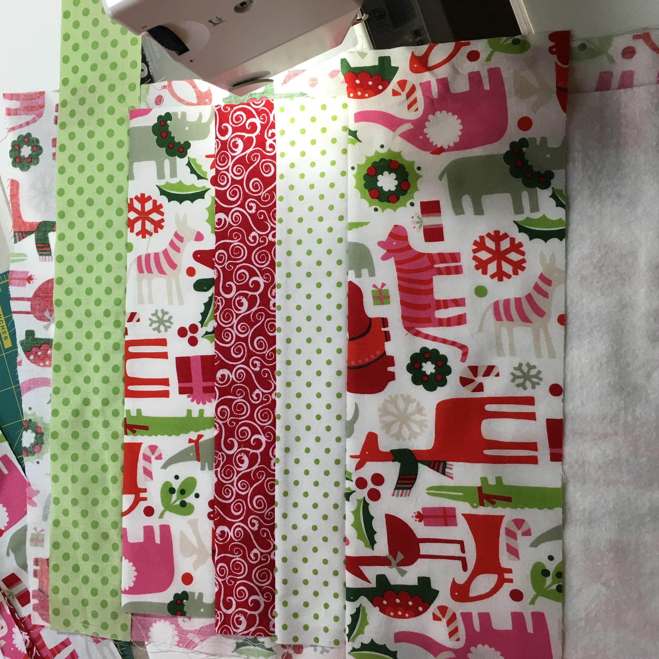 Table runner Christmas Safari sewing 2.jpg
