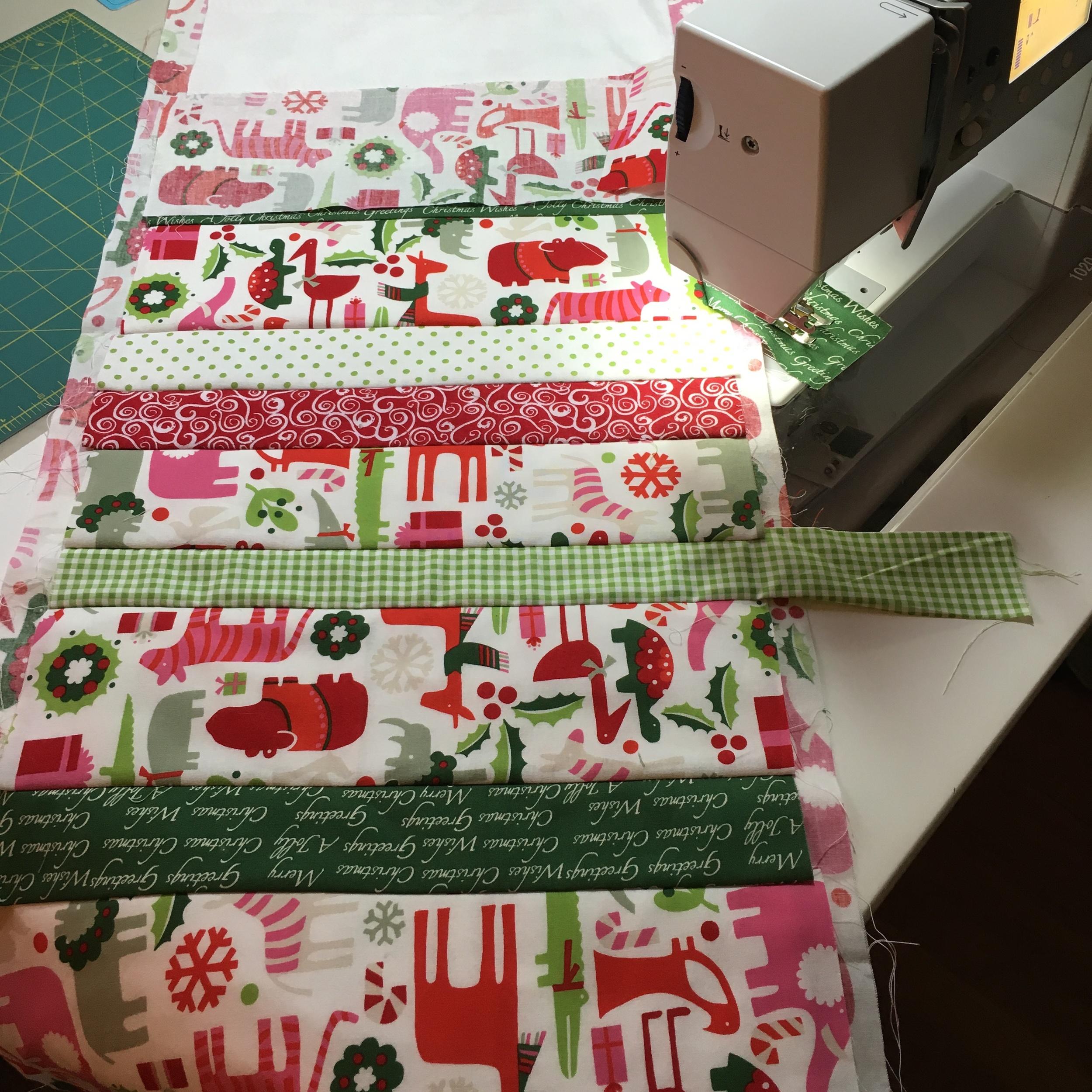 Table runner Christmas Safari Sewing 3.jpg