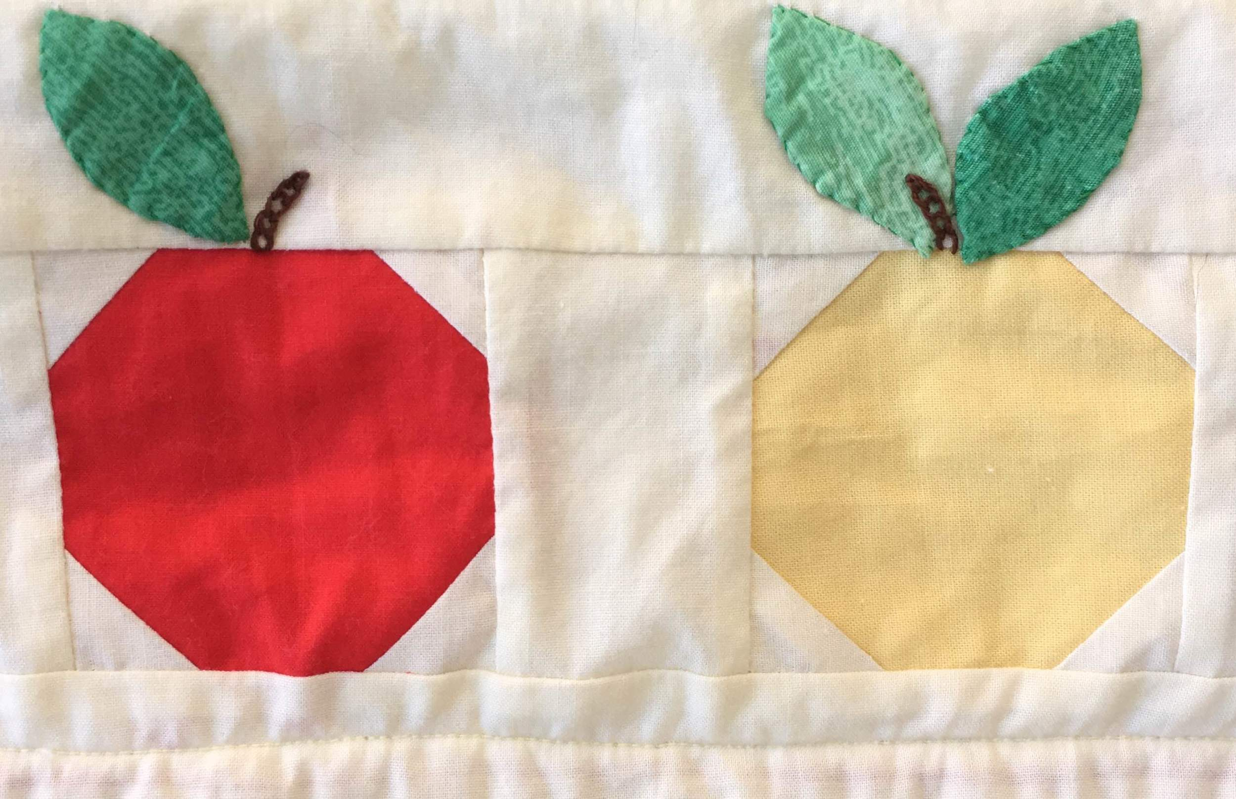 Quilt MQ 9 Tranquility Apple Detail.jpg