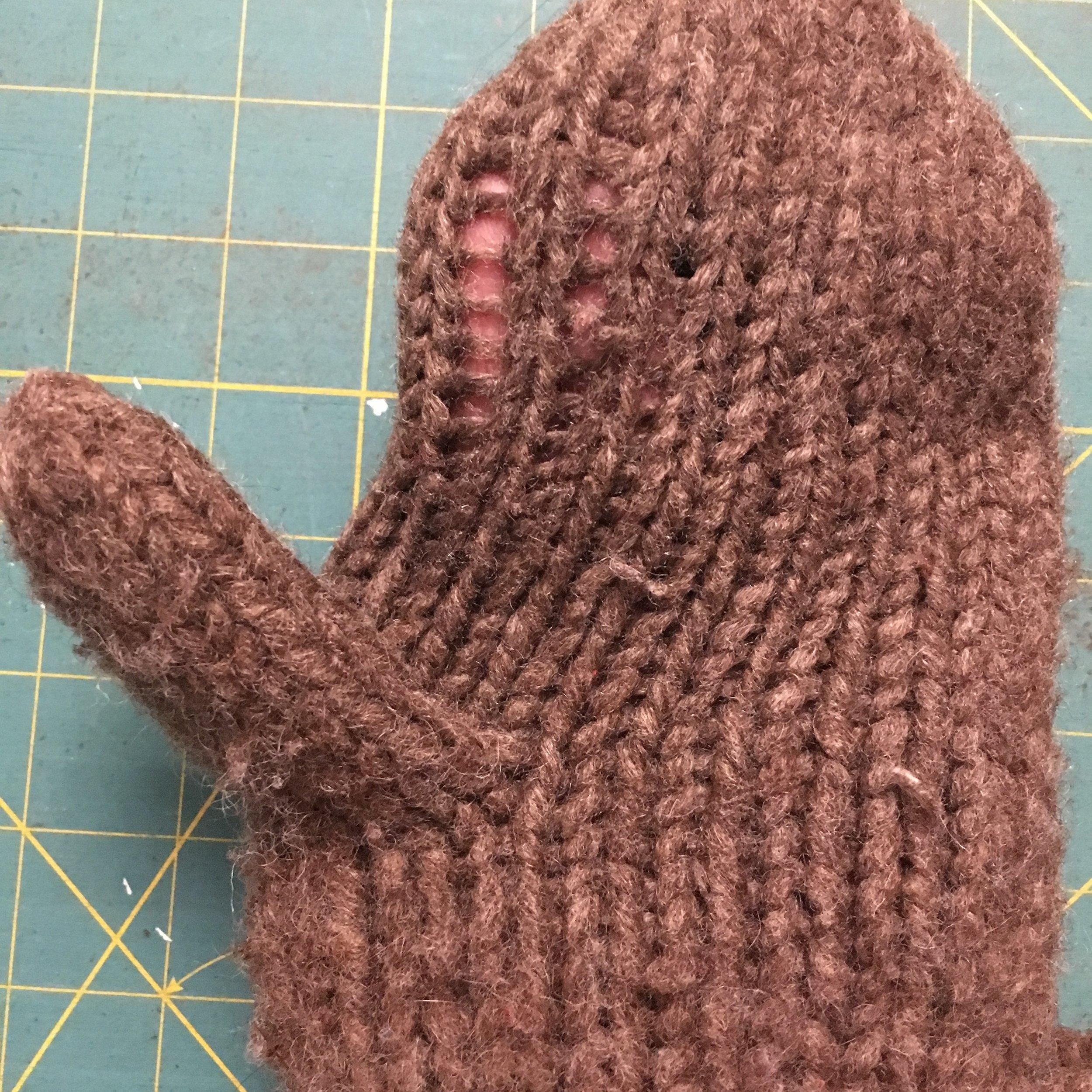 Thinning yarn on a mitten