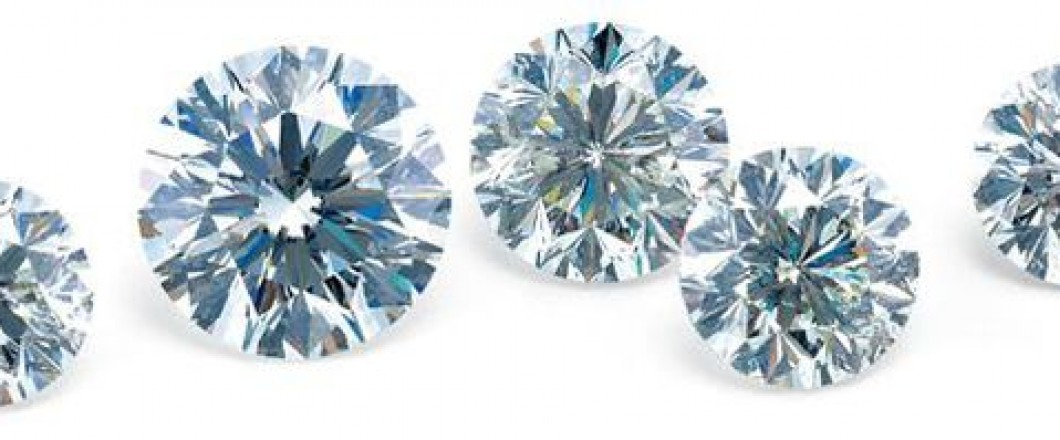 Riente Diamonds - Discover the brilliance of our exclusive Riente Diamonds, featuring a 74-facet cut scientifically designed to maximize light performance.