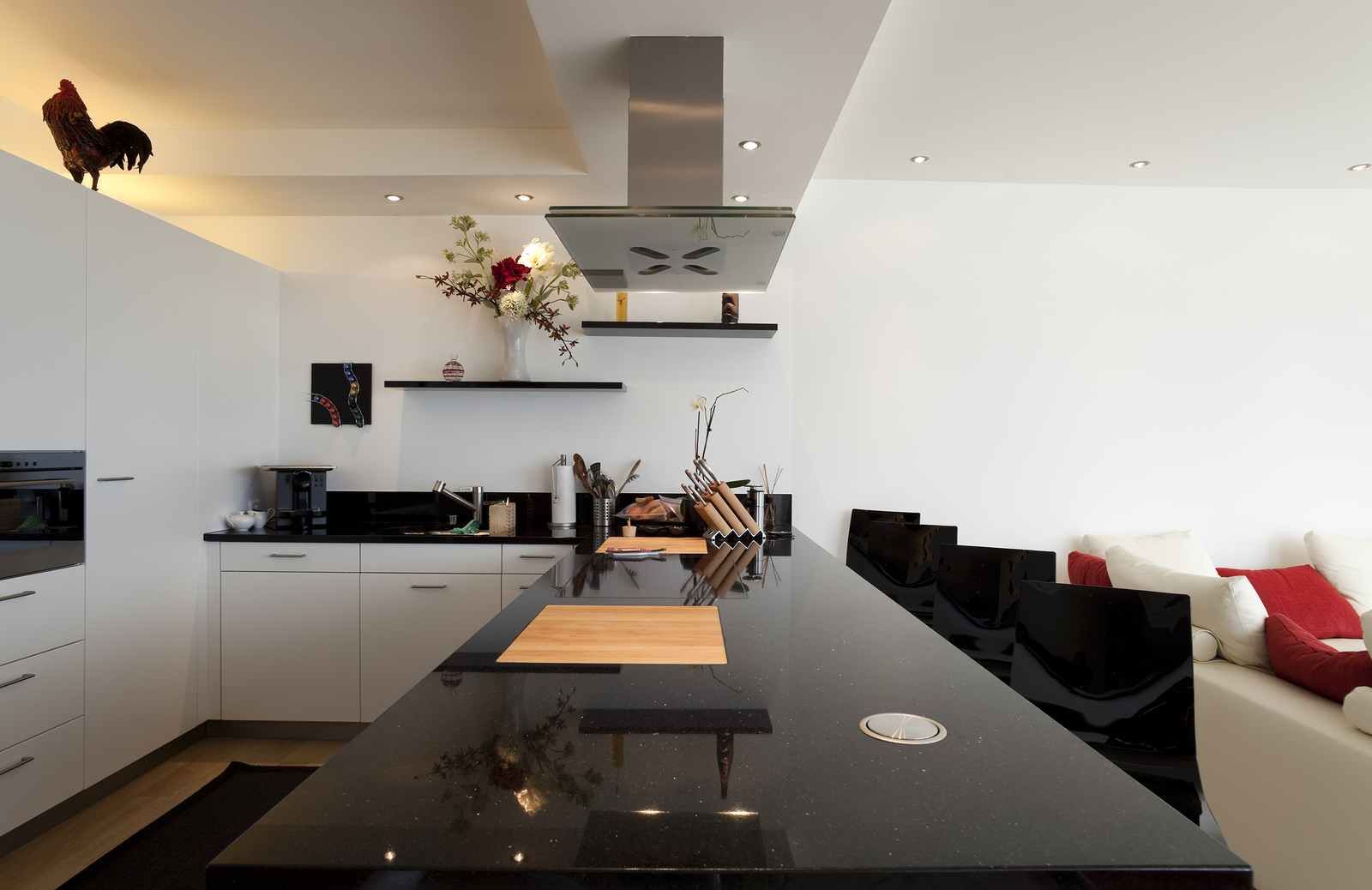 bigstock-beautiful-interior-of-a-modern-15682016.jpg