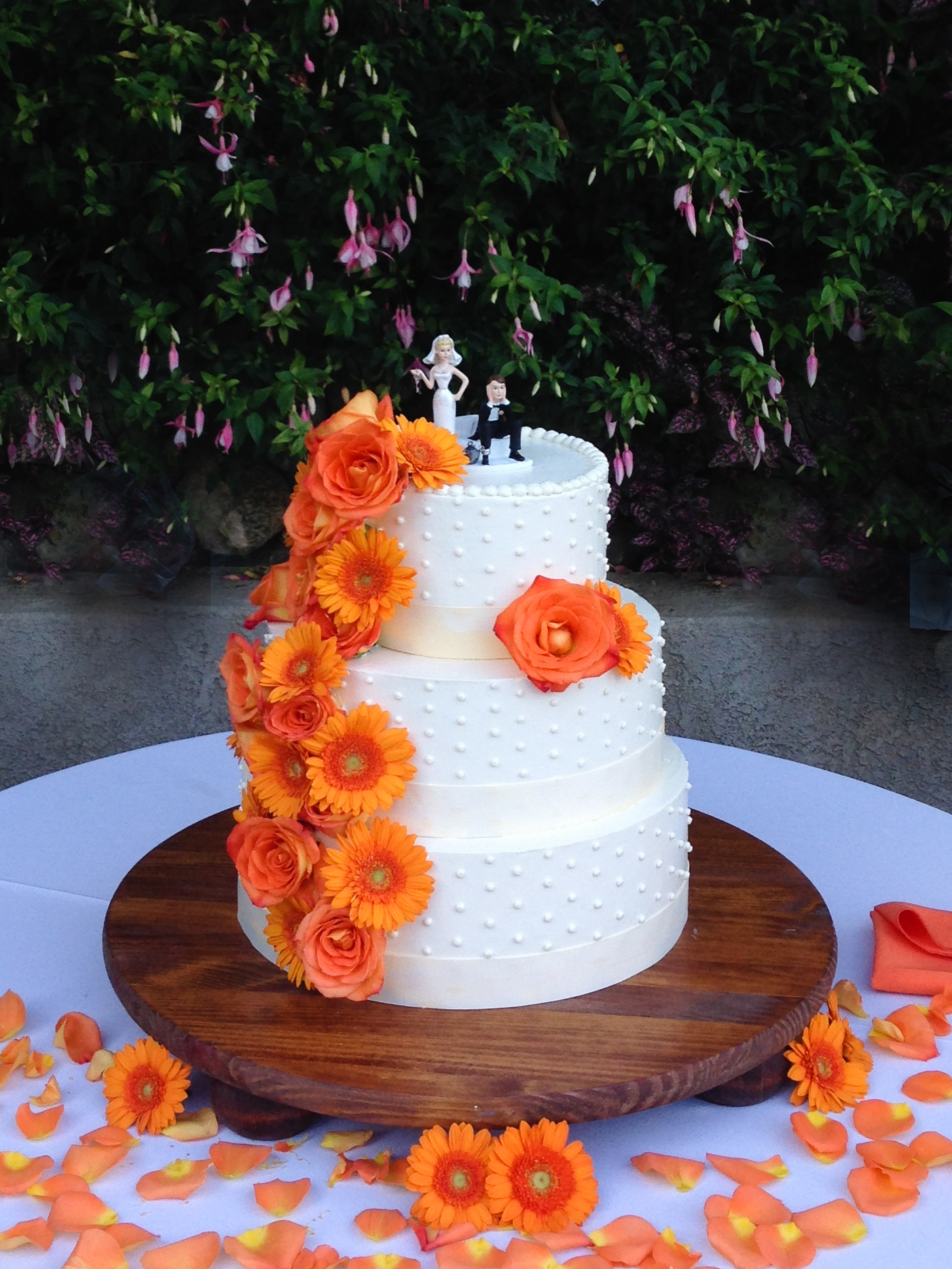 wedding-cake-dots-ribbon-orange-gerber-daisy-marie-shannon-confections-1.jpg