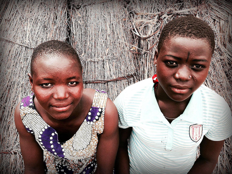 Walyia, 16 years old (left) and Ayisha, 17 years old (right)
