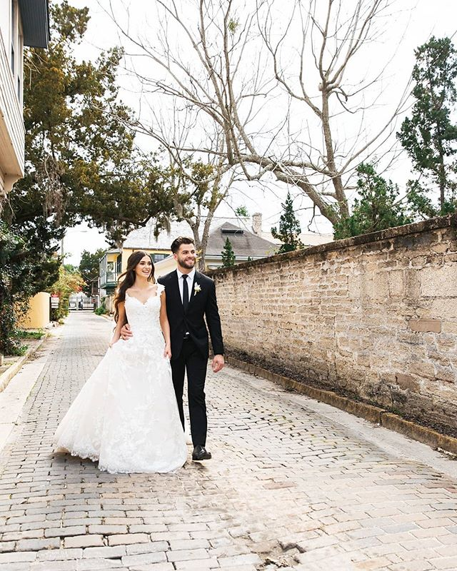 In the streets of St. Augustine🌴 . . .  #floridawedding #junebugweddings #elopementwedding #heyheyhellomay #wildhairandhappyhearts #wildhairandhappythoughts #wedphotoinspiration #greenweddingshoes #stylemepretty #loverly #utterlyengaged #weddinglegends #belovedstories #mangoliarouge #huffpostwedding #way2ill #artofvisual #visualsoflife #photographyeveryday #xposuremag #heatercentral #shotwithlove #loveintentionally #loveauthentic #exploretocreate #letsgosomewhere #suberhubs #brideandgroom #weddingfashion #tarasilchukphotography