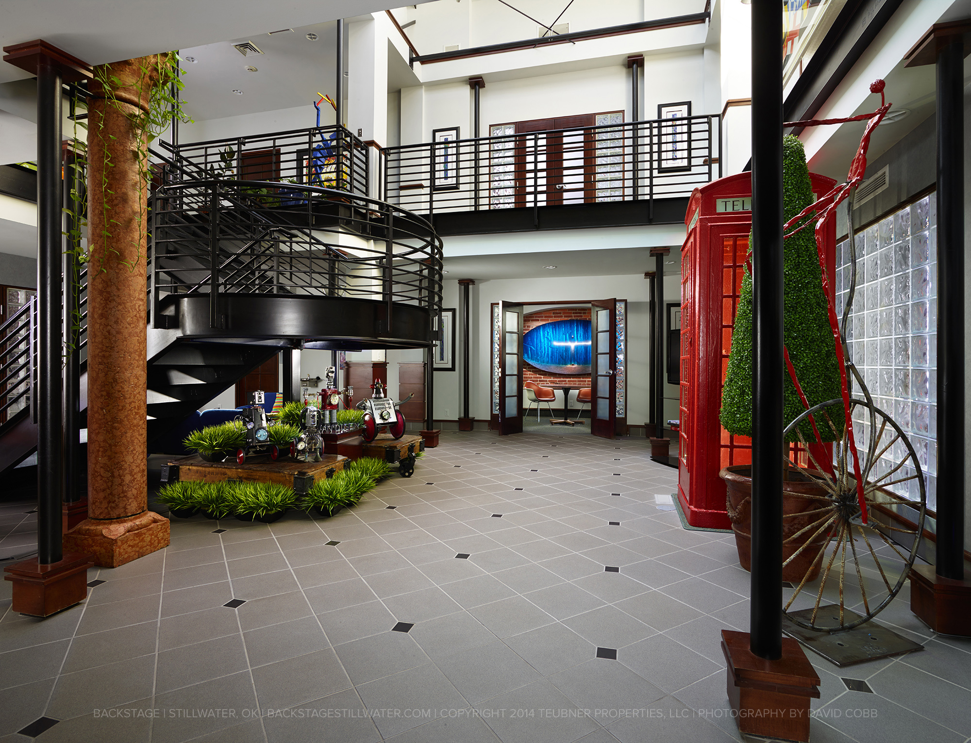 02b Atrium Upon Entry04.jpg