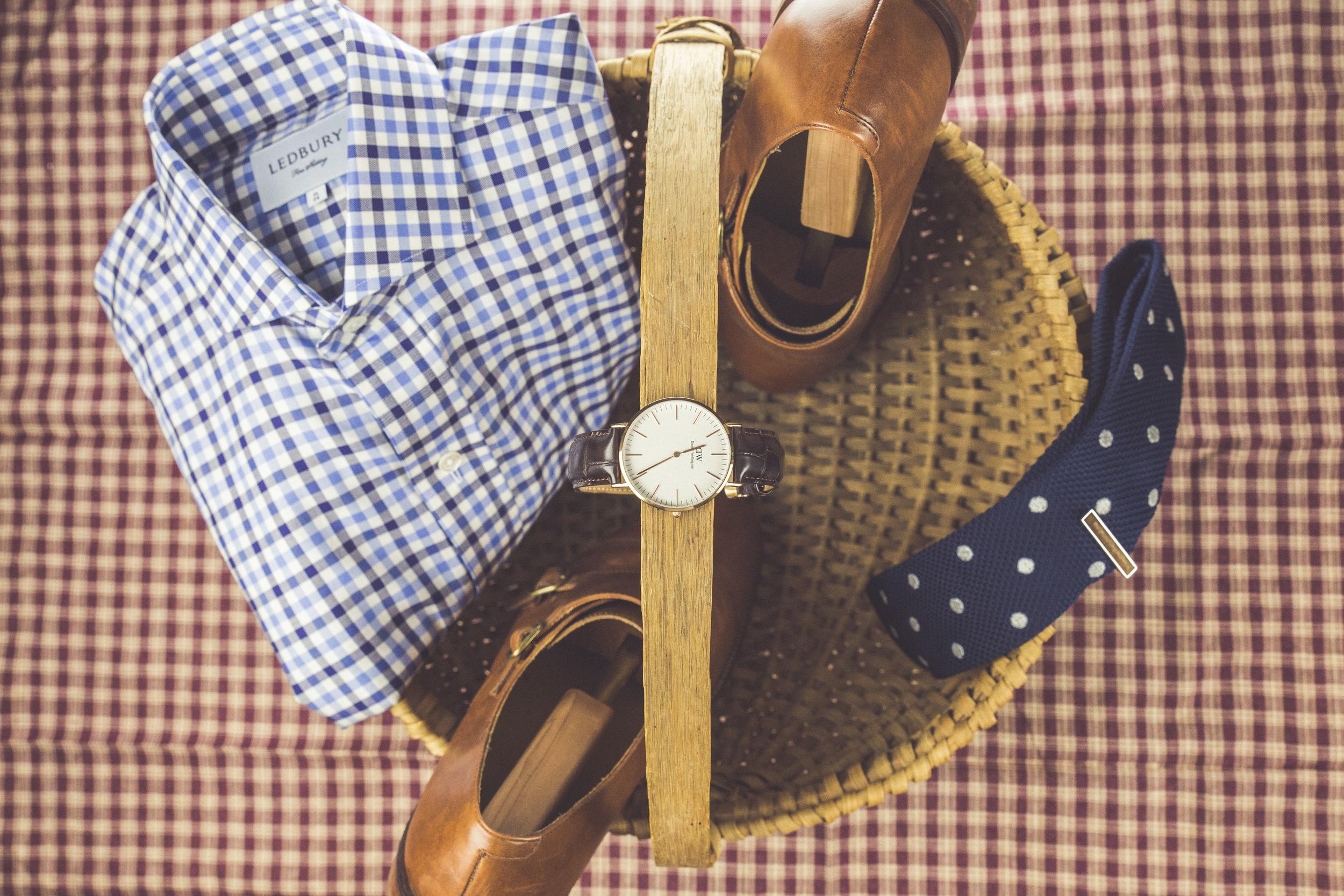 Shirt: Ledbury, Watch: Daniel Wellington, Shoes: Cole Haan.