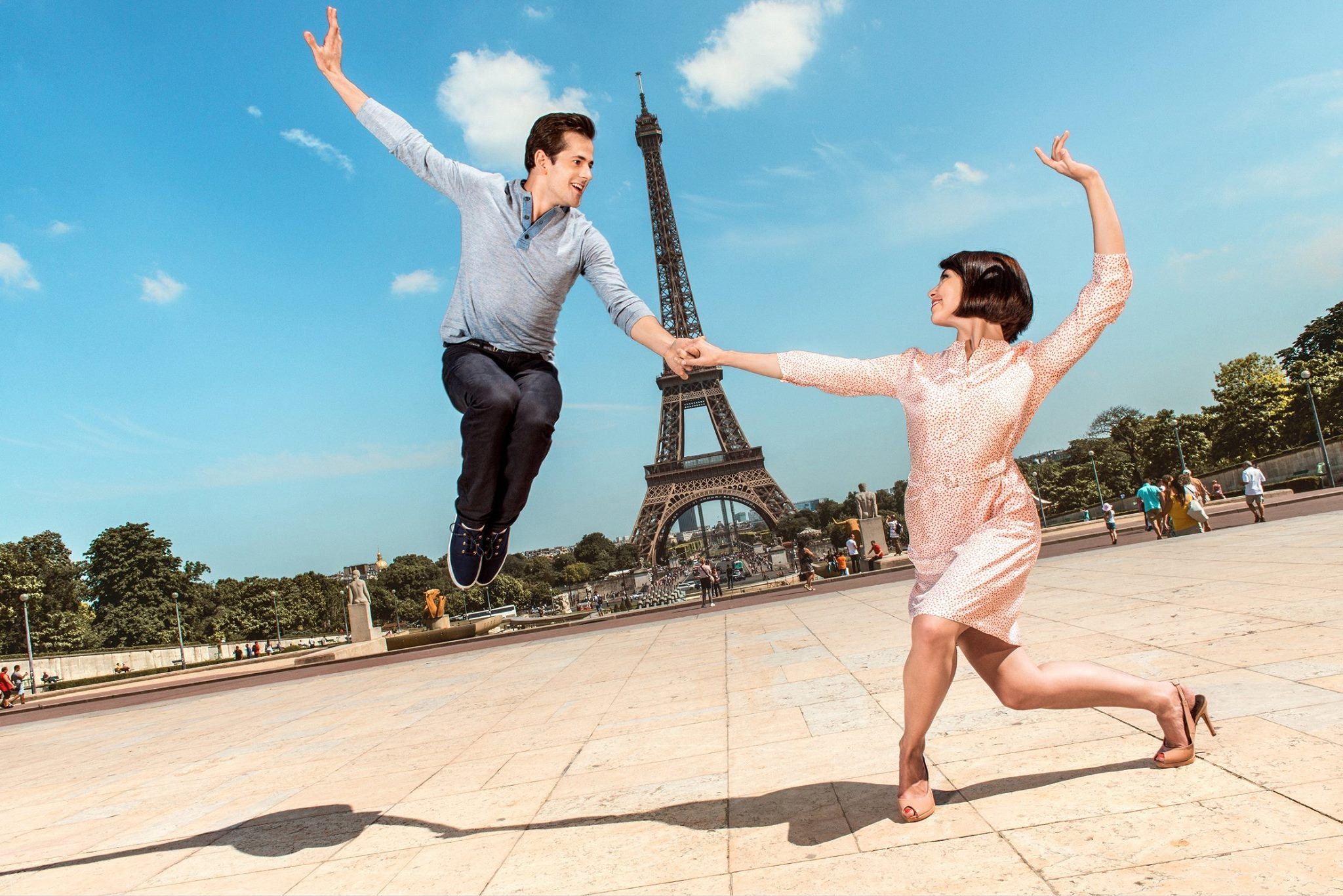 Robert Fairchild and Leanne Cope in a press photo from An American in Paris .