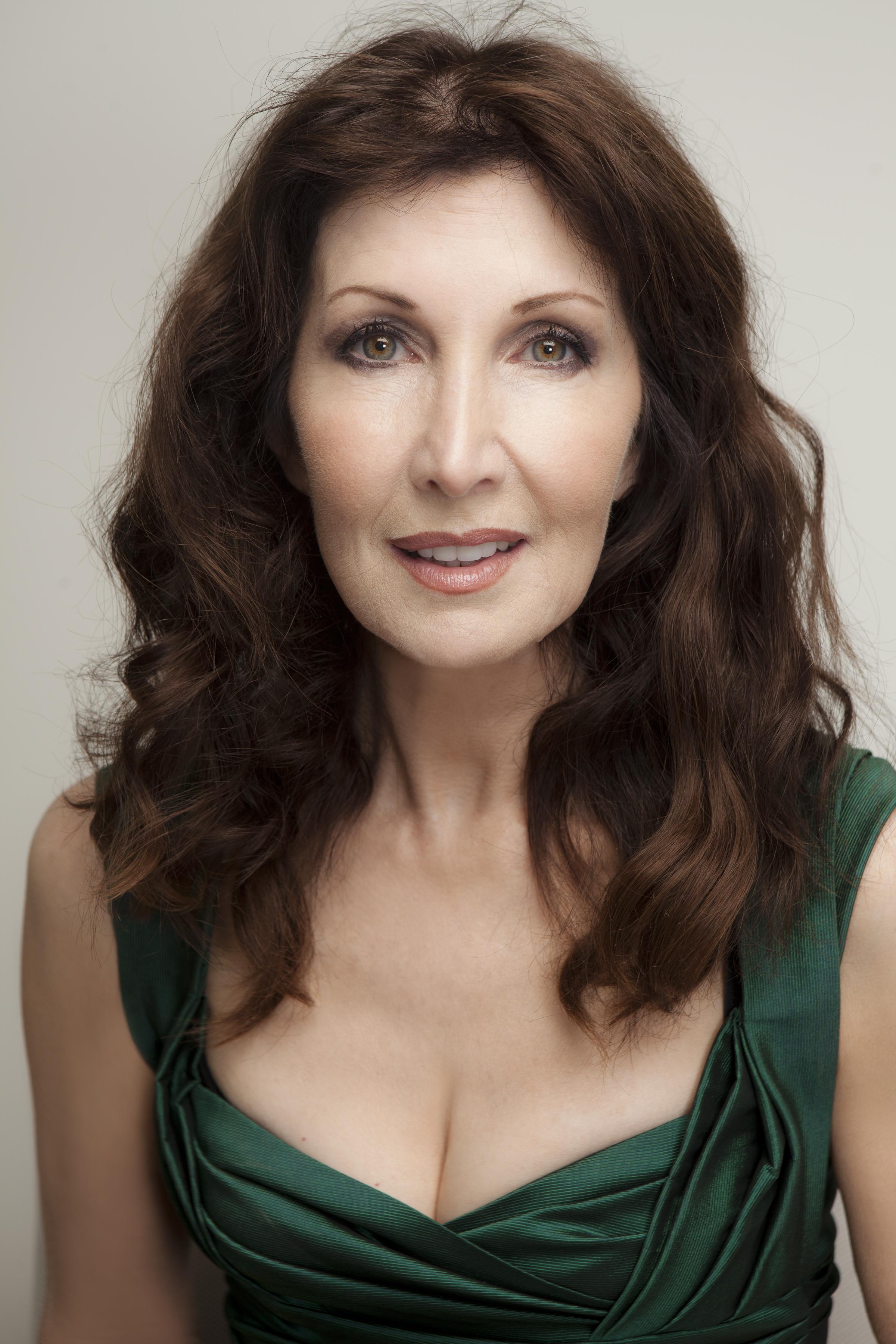 Joanna-Gleason-photo1.jpeg