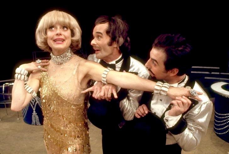 LOR-002-1974-Carol-Channing-Robert-Fitch-John-Mineo-Martha-Swope.jpg