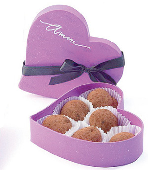 I heart you: Villa Del Conte also has the Amore boxes. Choose from one of three truffles - fig fillet, marron glace (chestnut) or walunt. (P380)