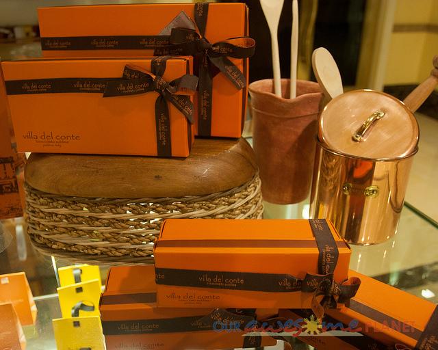standard orange chocolate boxes