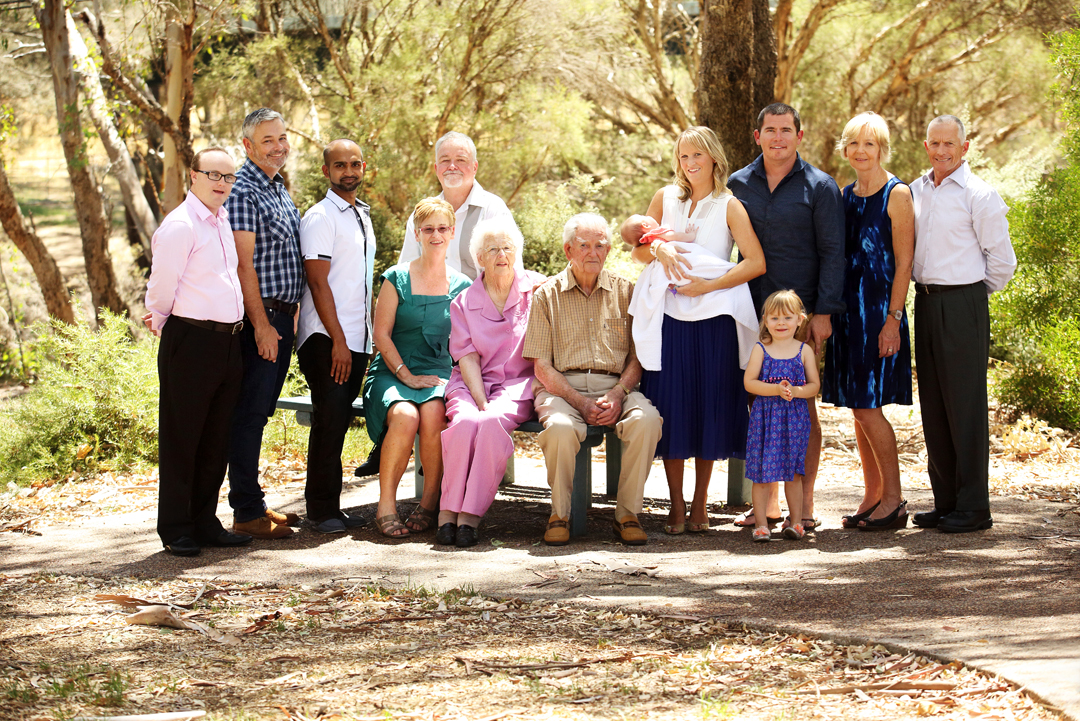 extended family portrait photographer perth
