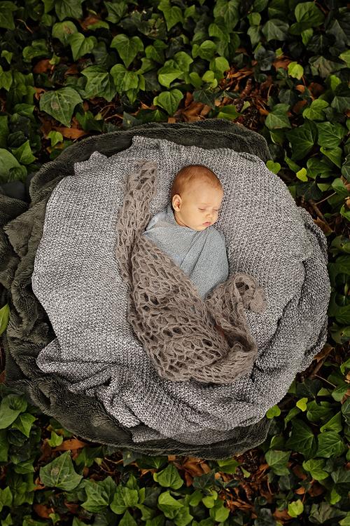 outdoor newborn photographer perth