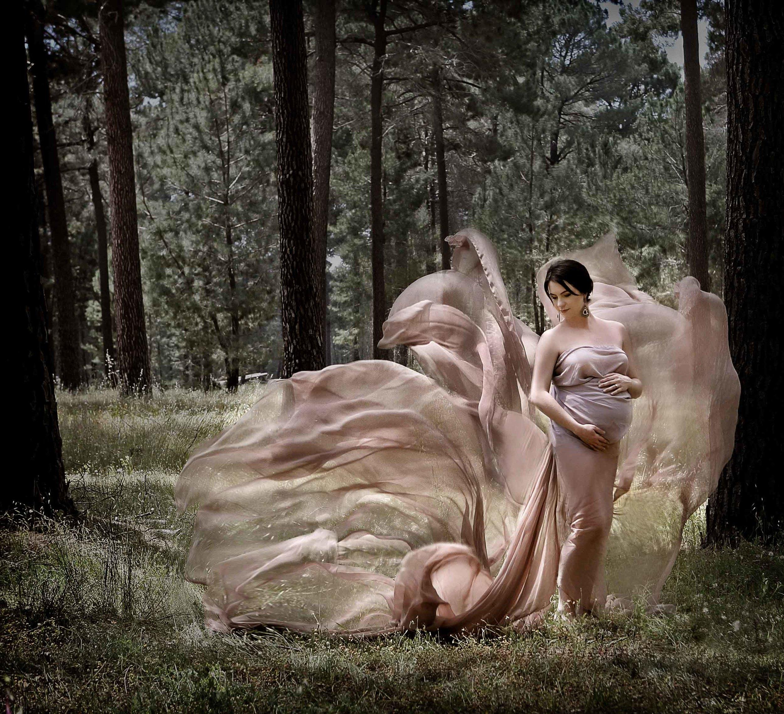 creative maternity photo idea