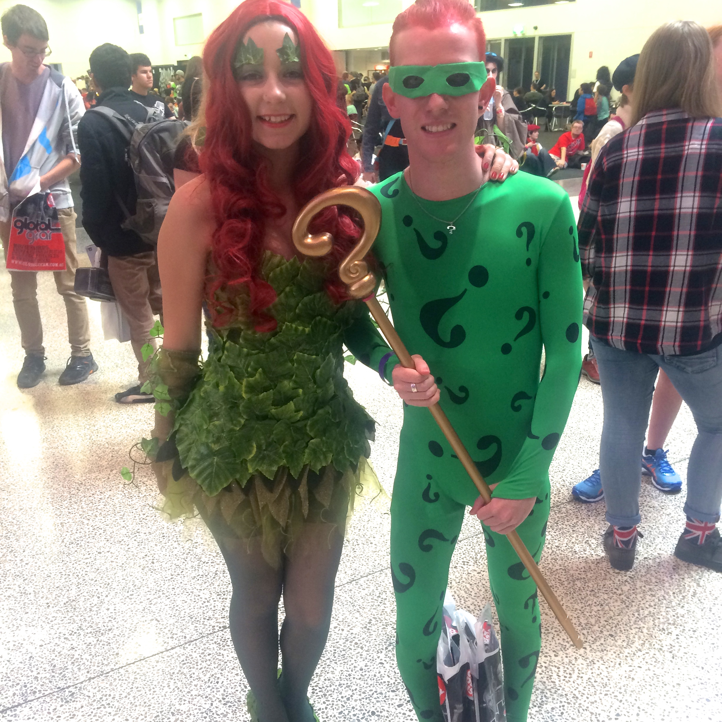 The almost identicalPoison Ivy and The Riddler:a match made in cosplay heaven.