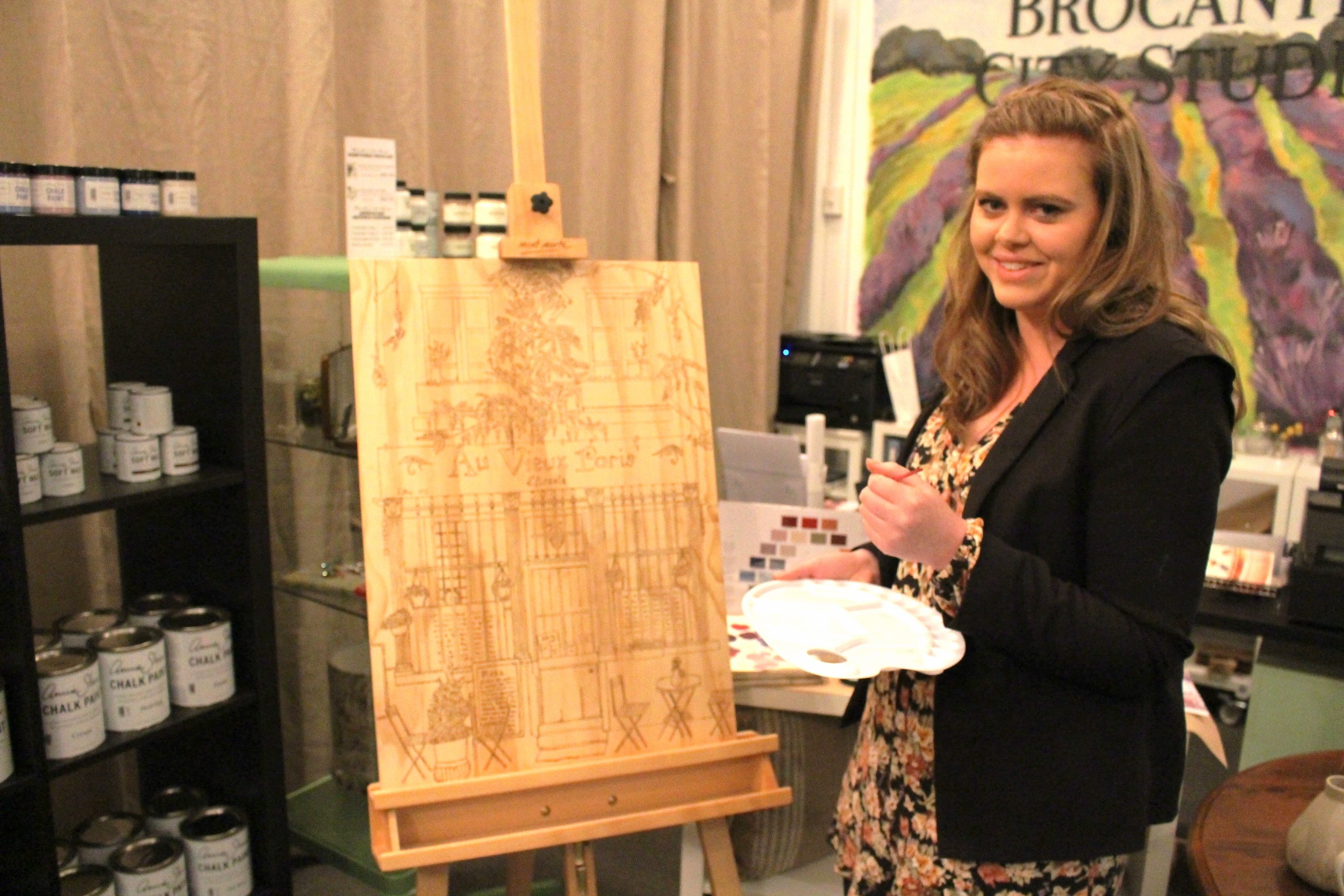 Local Adelaide Artist, Lucy Brewin, doing a live painting demonstration at the Brocante In The Barossa Launch