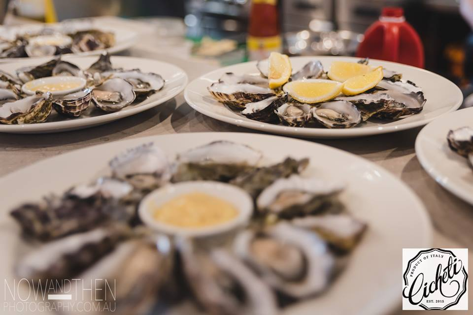 Natural Oysters for appetiser