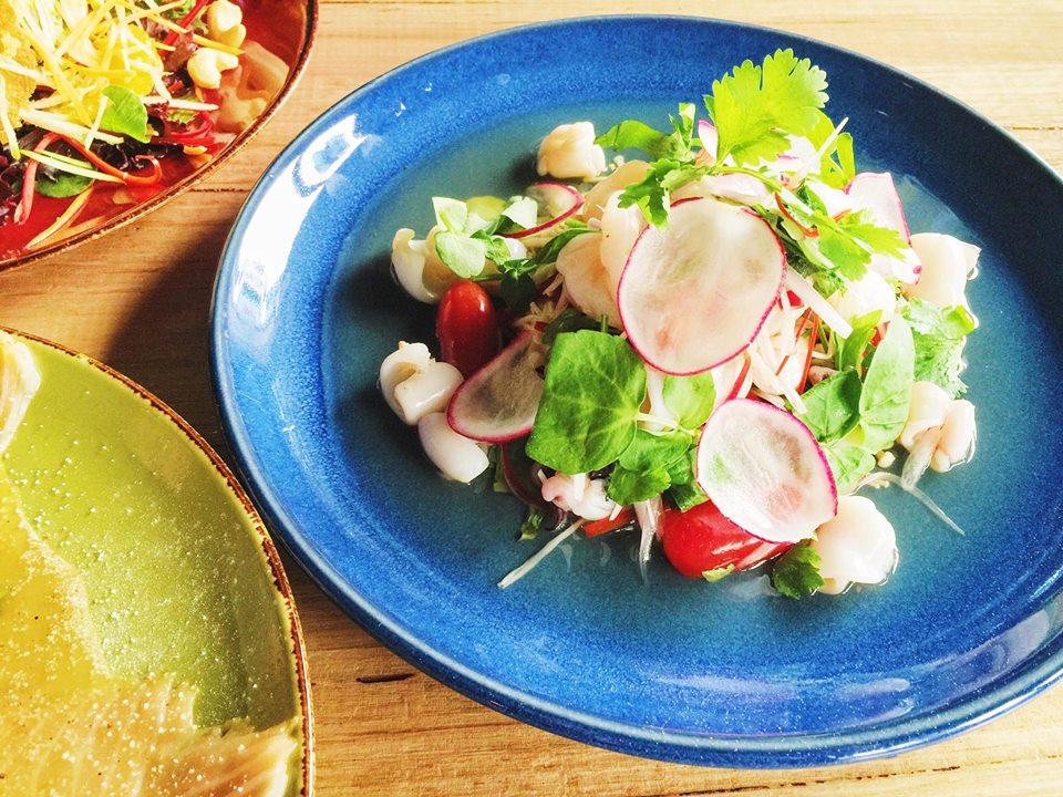 Enoki seafood salad