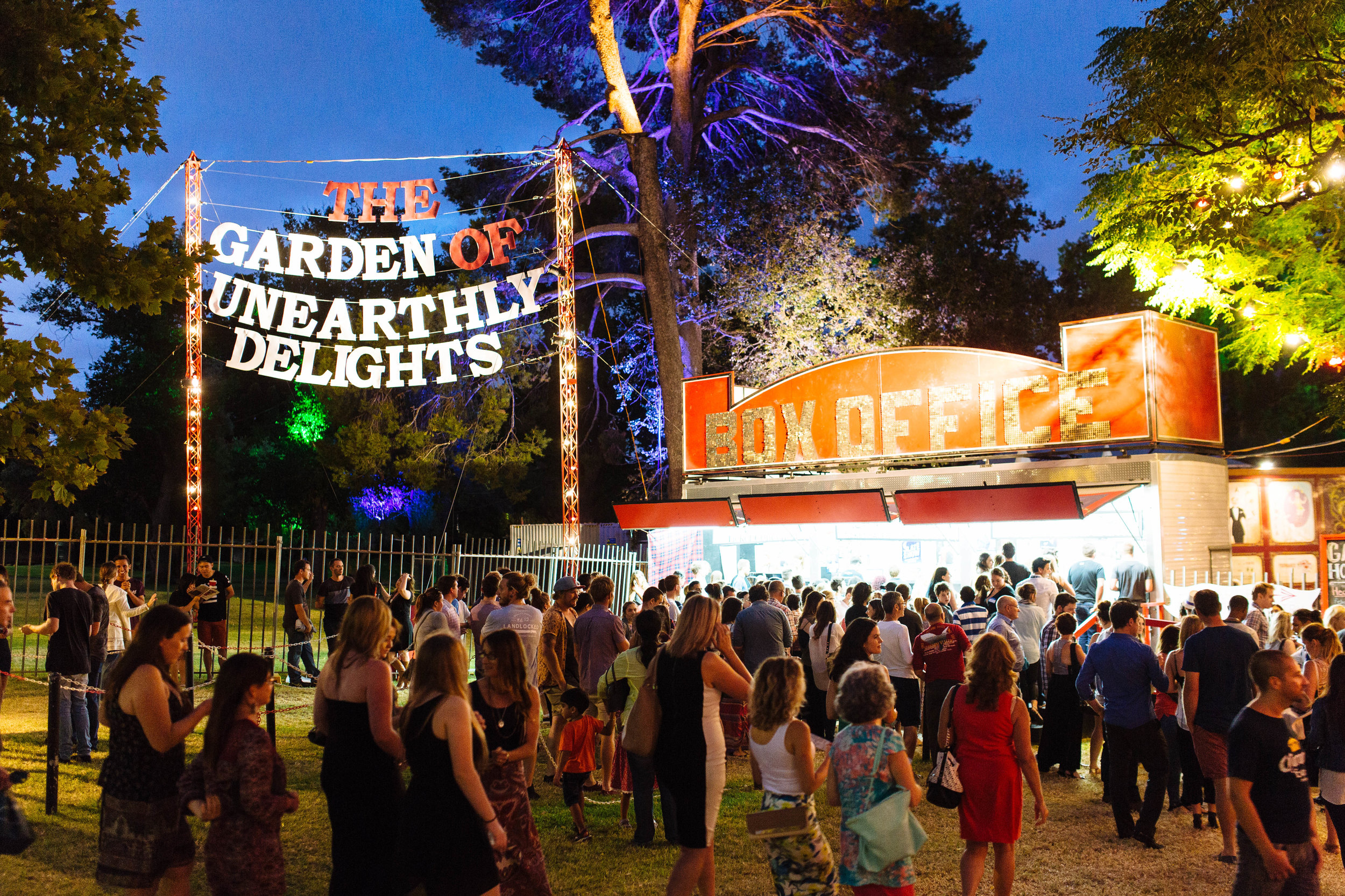 Photo via the Garden of Unearthly Delights, snapped by Andre Castellucci