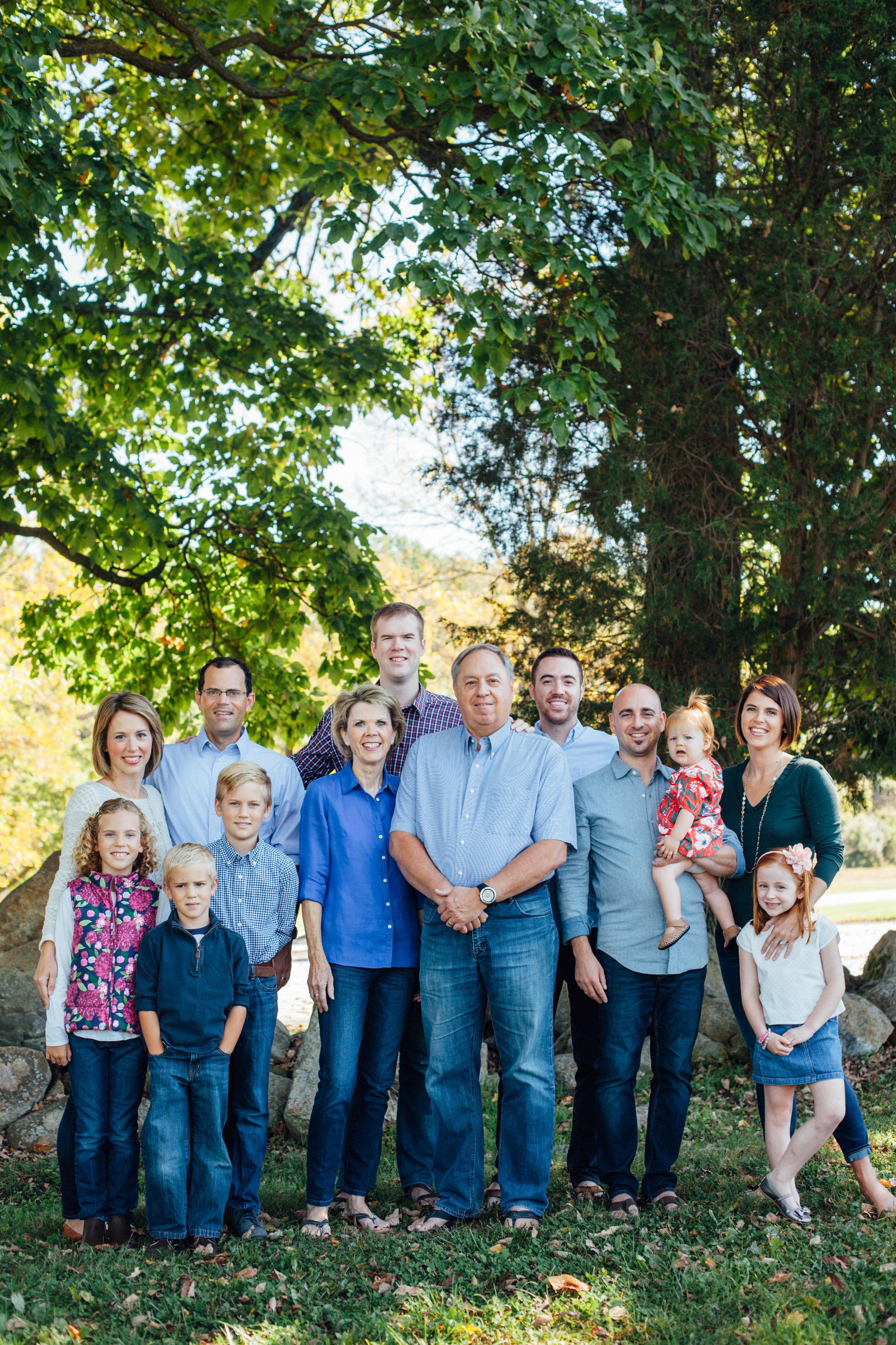 Nace Extended Family 17-6450.jpg