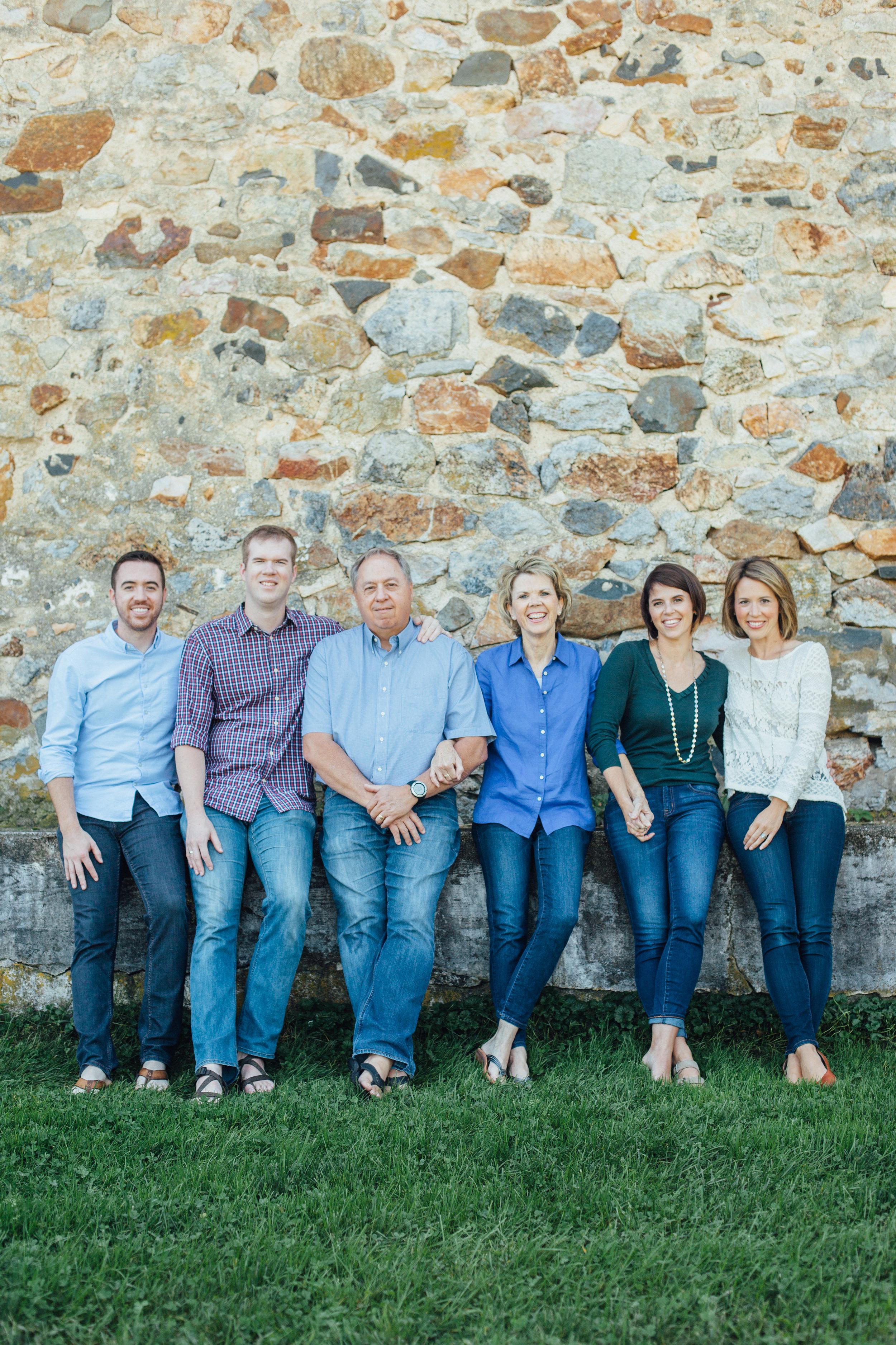 Nace Extended Family 17-6680.jpg