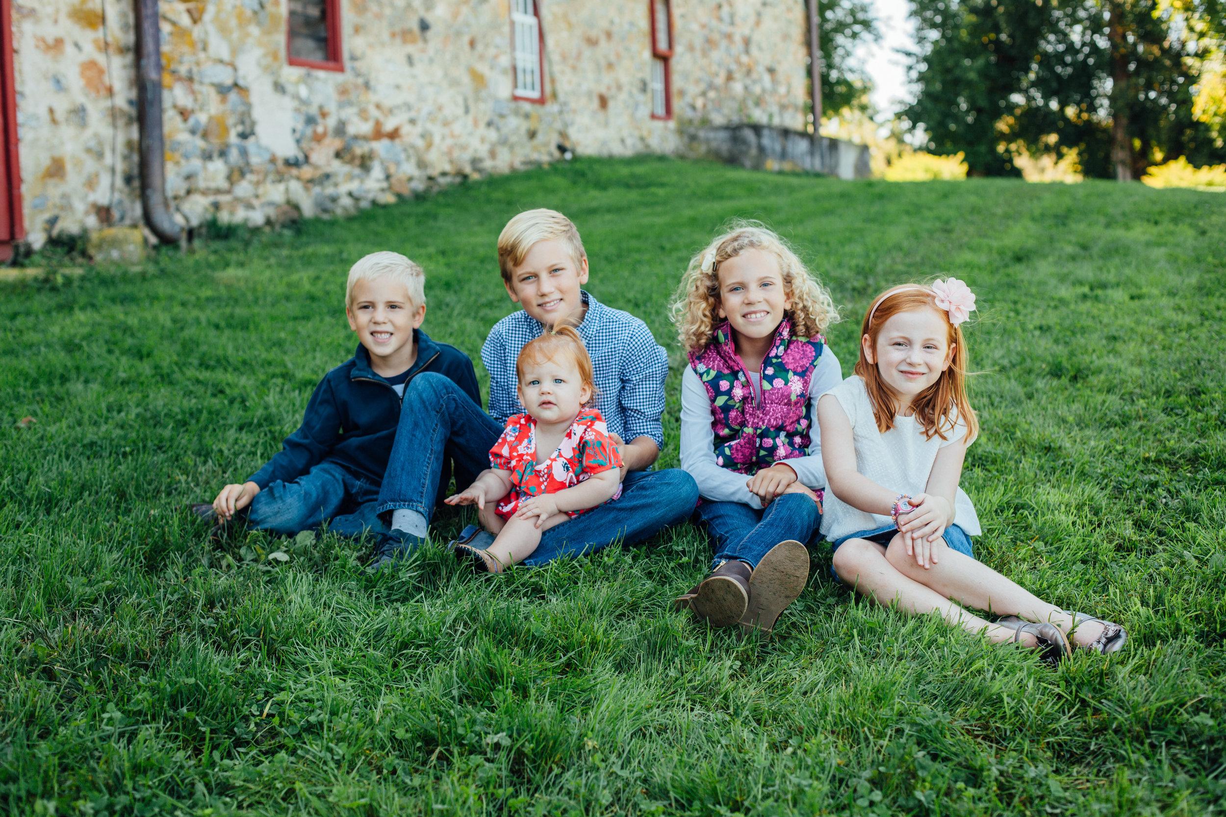 Nace Extended Family 17-6825.jpg