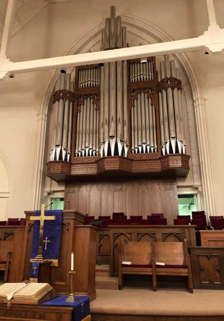 Façade of the A.E. Schlueter organ installed in 2018.