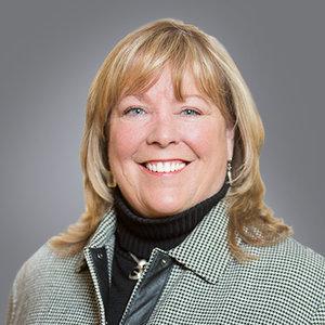 Barb Stinnett Headshot.jpg