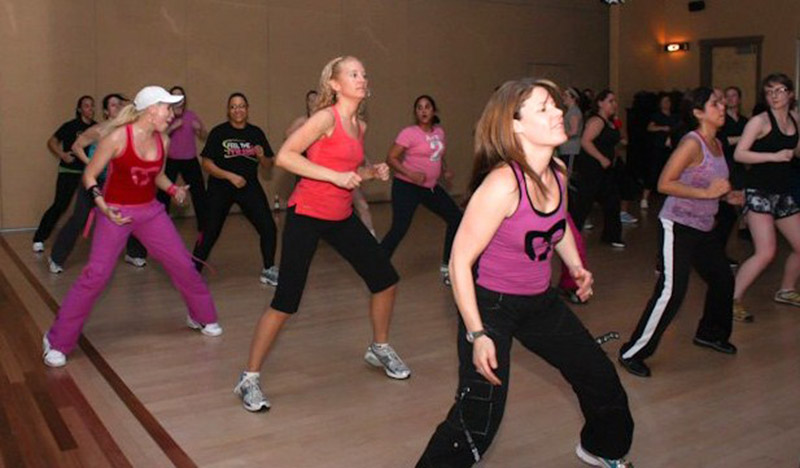 zumba-classes-with-phoebe-flanagan-at-40-below-fitness-fairbanks-alaska-05.jpg