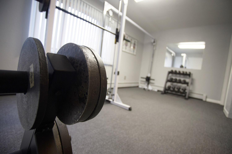 40-below-fitness-center-fairbanks-alaska-freeweights-in-gym172.jpg