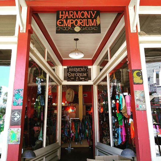 If you're out and about today, make sure you say Hippie Anniversary to the Harmony Emporium, celebrating 10 years today! We love our neighbors! #coffee #crepes #pghfood #pghfoodie #pghcoffee #harmonypa #justdontparkintheirlot