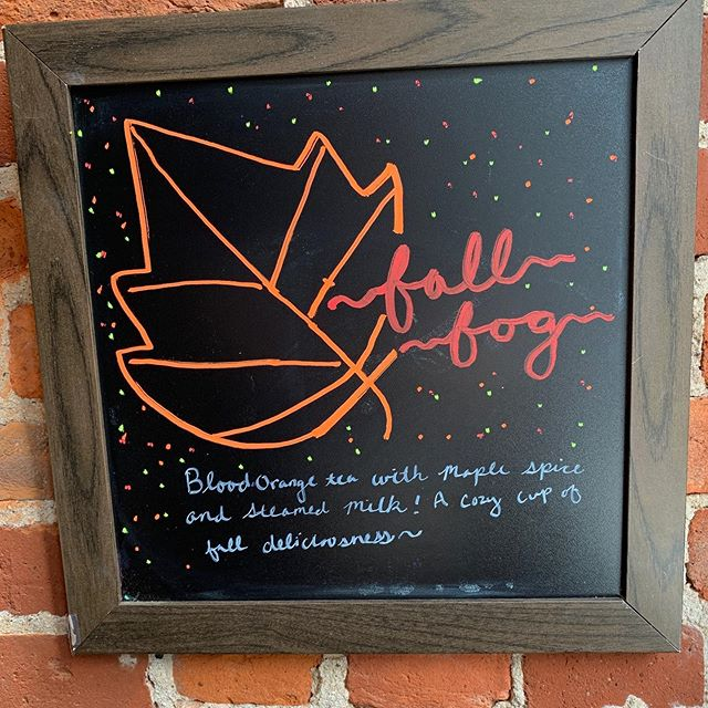 🍁🍂fall into the season🍁🍂 with this new specialty drink! The Fall Fog which has blood orange tea, maple spice and steamed milk. Coziness in a cup~ #wunderbarcoffeeandcrepes #coffeeshop #coffee #fall #autumn #pghfood #pghfoodie #pgh
