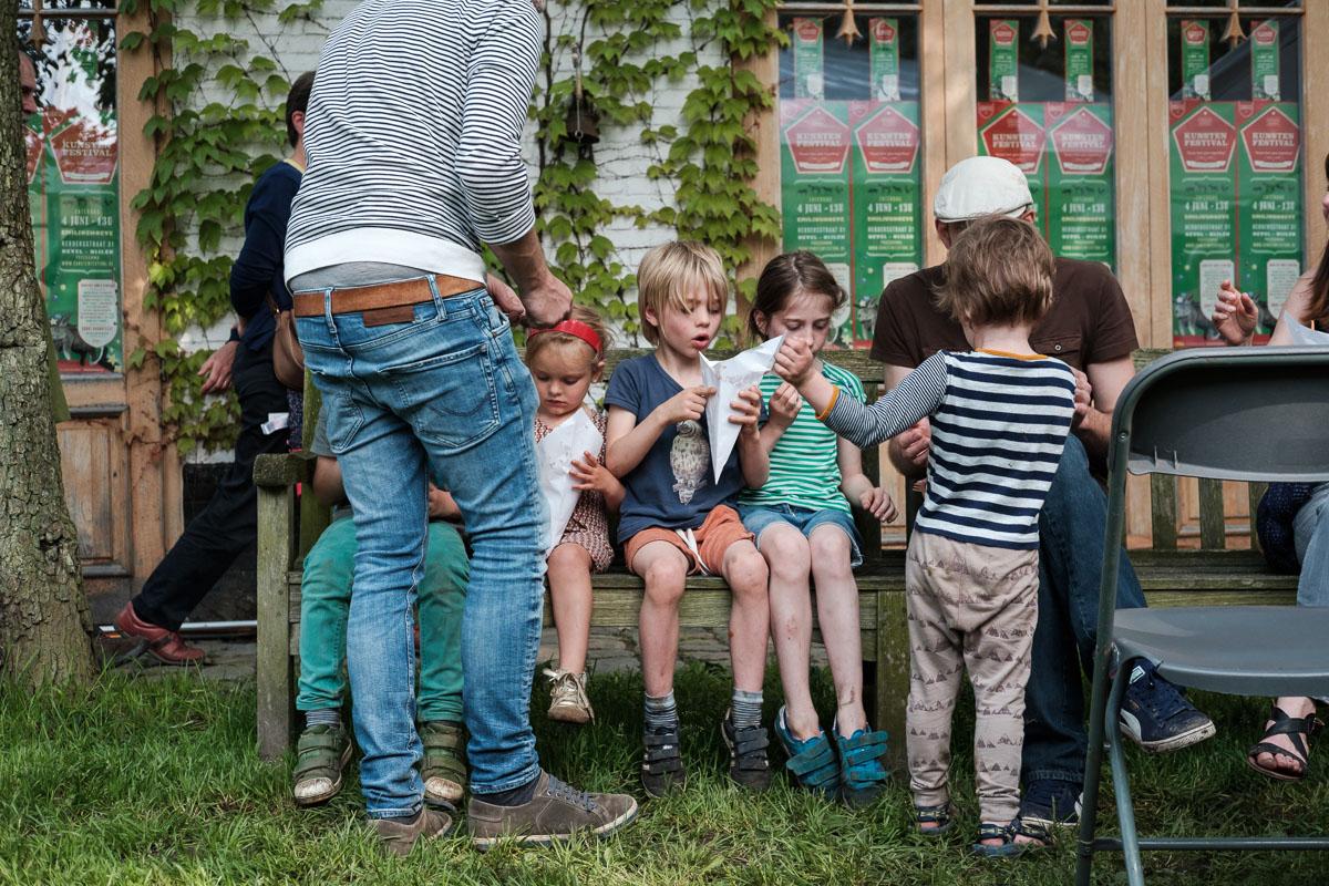 """Het Kunstenfestival is uniek en de eventfotograaf van iso800 was erbij om dit alles vast te leggen. Niet alleen in opzet - een festival waarin mensen met en zonder een beperking op alle mogelijke manieren het beste van zichzelf geven - maar ook in sfeer. Alles mag en niets moet want """"kunst kent geen beperking""""."""