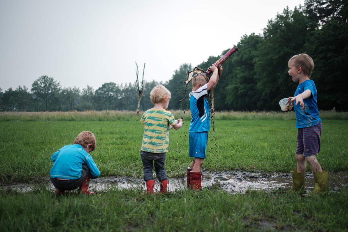 Dit jaar staan we met ons team op de beurs Making Plans. Een greep uit de reportages die we reeds deden. Van een triathlon in Francorchamps tot kinderen die spelen in de modder! iso800 is van alle markten thuis.