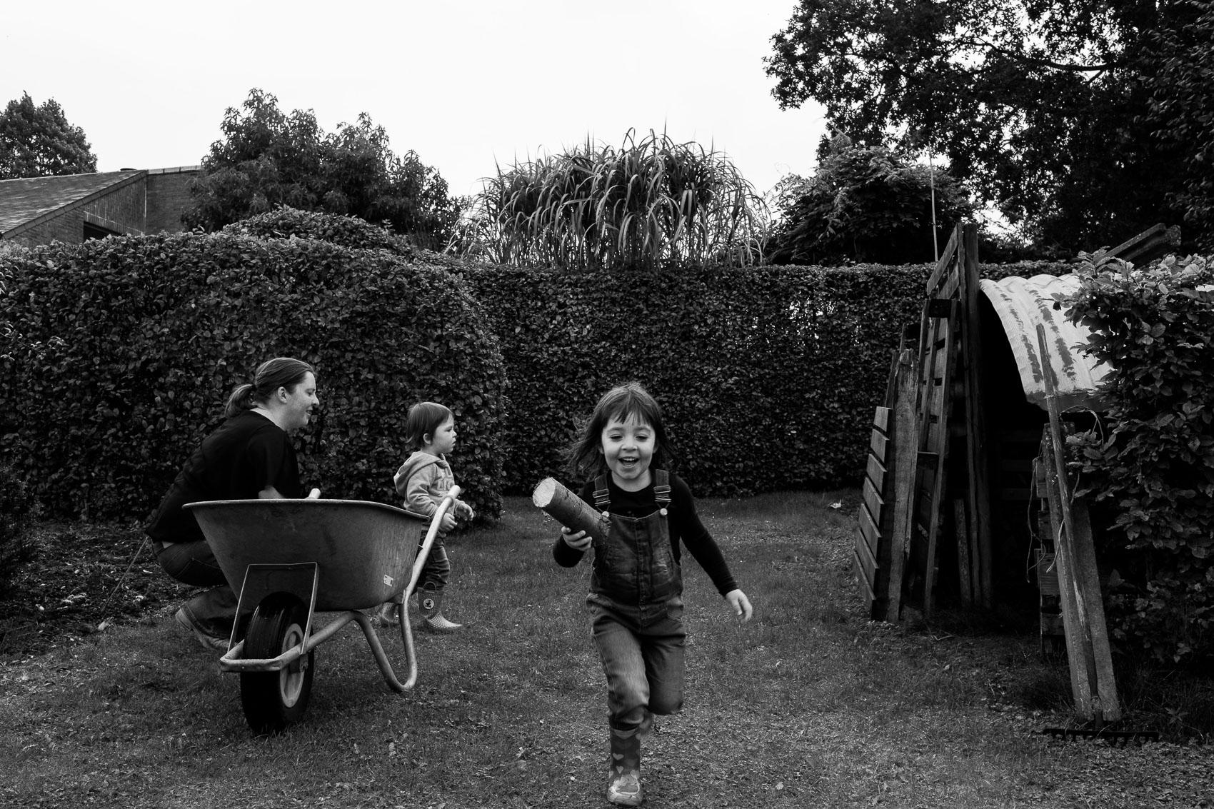 familiefoto familiefotograaf family photographer day in the life kinderen children iso800 fotografie Leuven